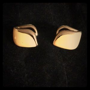 Beautiful Pair of Yellow and Gold tone Earrings